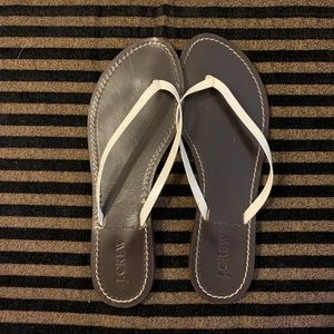 🎀3 for $15🎀J. Crew leather flip flops size 8